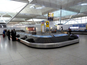 London_Stansted_Airport_-_Baggage_reclaim
